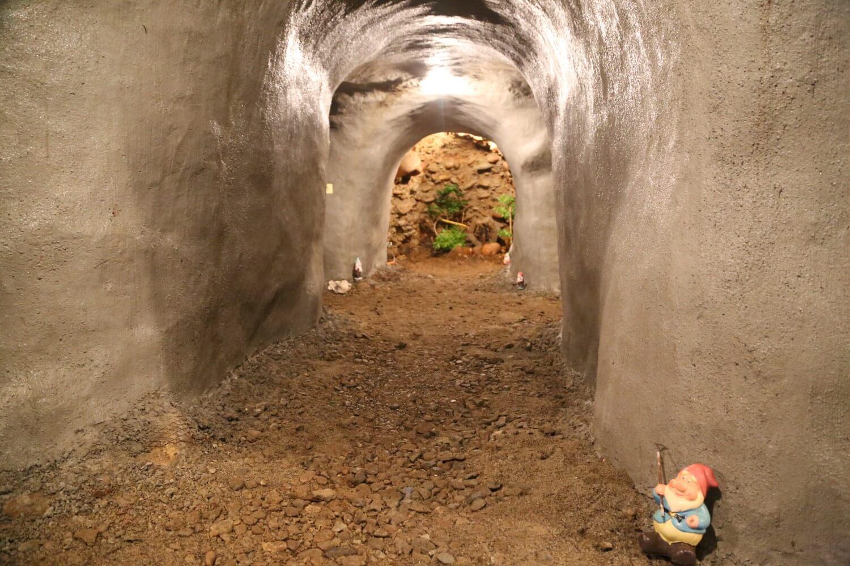 中屋敷の芋穴内部